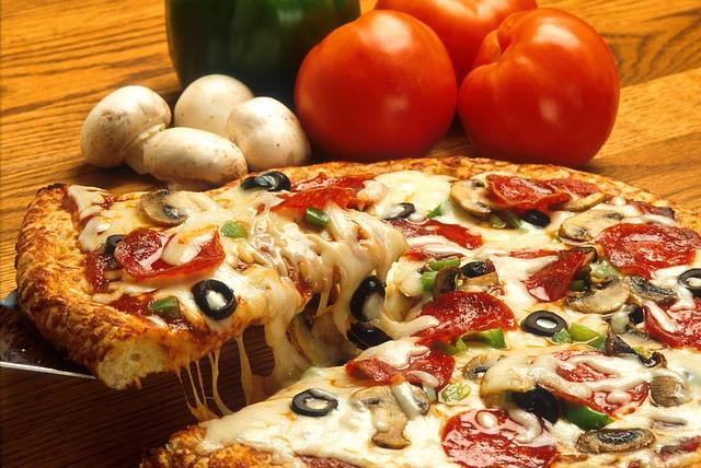 Pizza quatre saisons avec chorizo